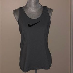 $7 CLOSET CLEAN OUT Nike Workout Tank